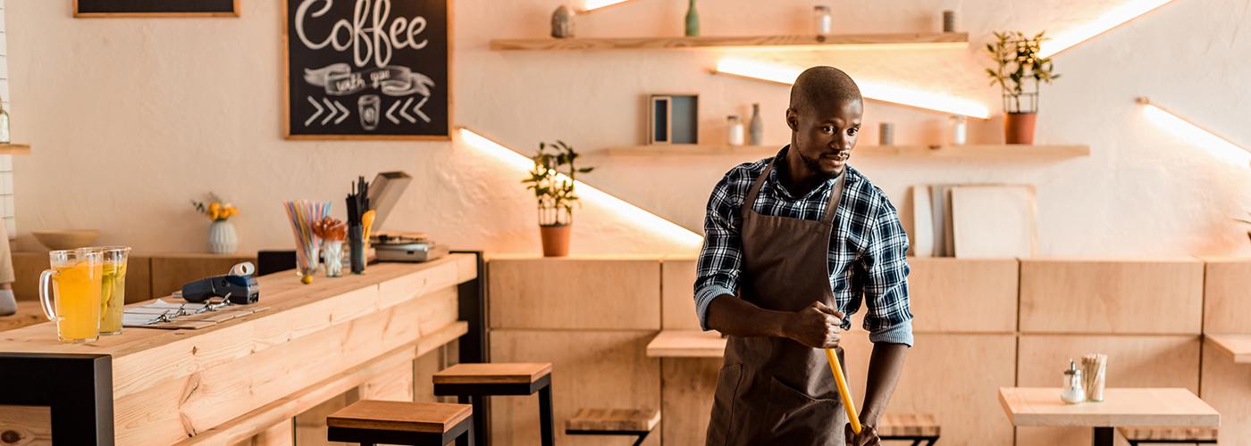 Hidden Star Helps slider coffee shop owner (image)